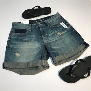 OLD NAVY NWT Blue Denim Boyfriend Shorts Size 0